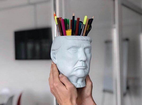креативная ваза в форме головы Трампа