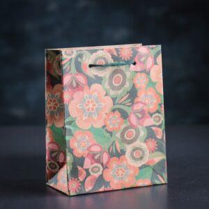 Купить оригинальный подарочный пакет для упаковки подарка в Москве. Крафт-пакет для упаковки подарков, подарочные пакеты.